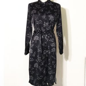 Black and white floral print robe.